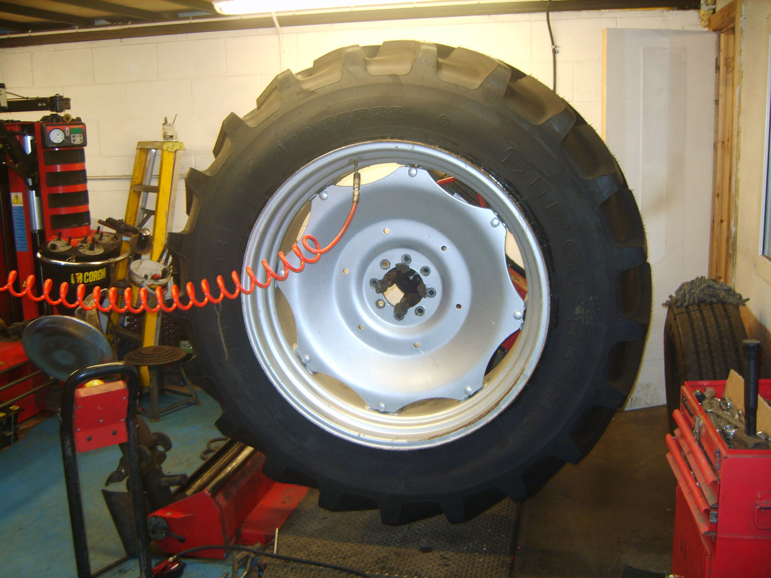 NORTH-CENTRAL-TYRES-TRACTOR-TYRES