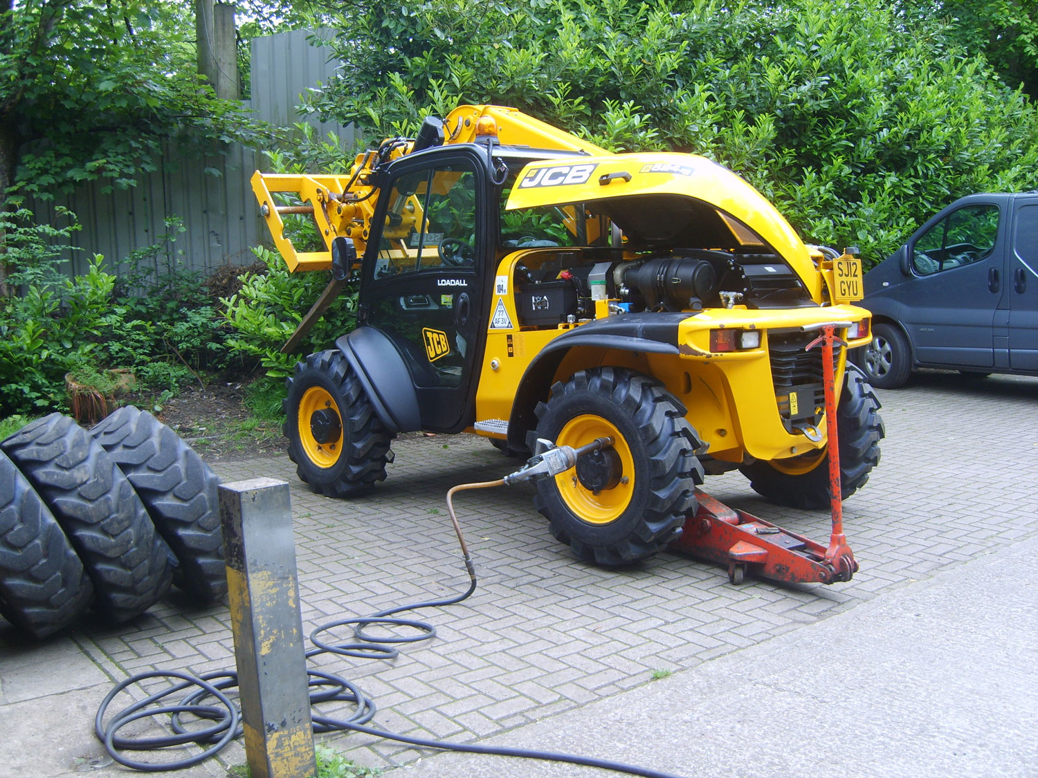 North-Central-Tyres-Load-All-JCB